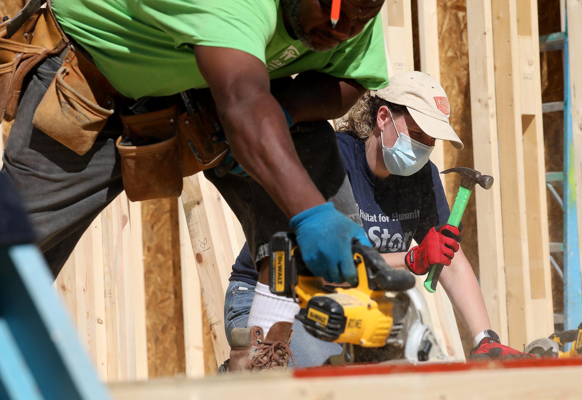 Habitat for Humanity Peninsula and Greater Williamsburg Consociate Media Build Day Amanda Shortt